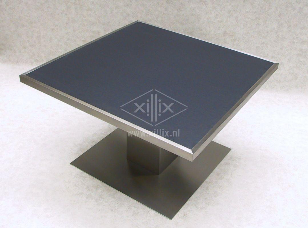 vierkante eetkamertafel xillix.nl met rvs kader op rvs kolom