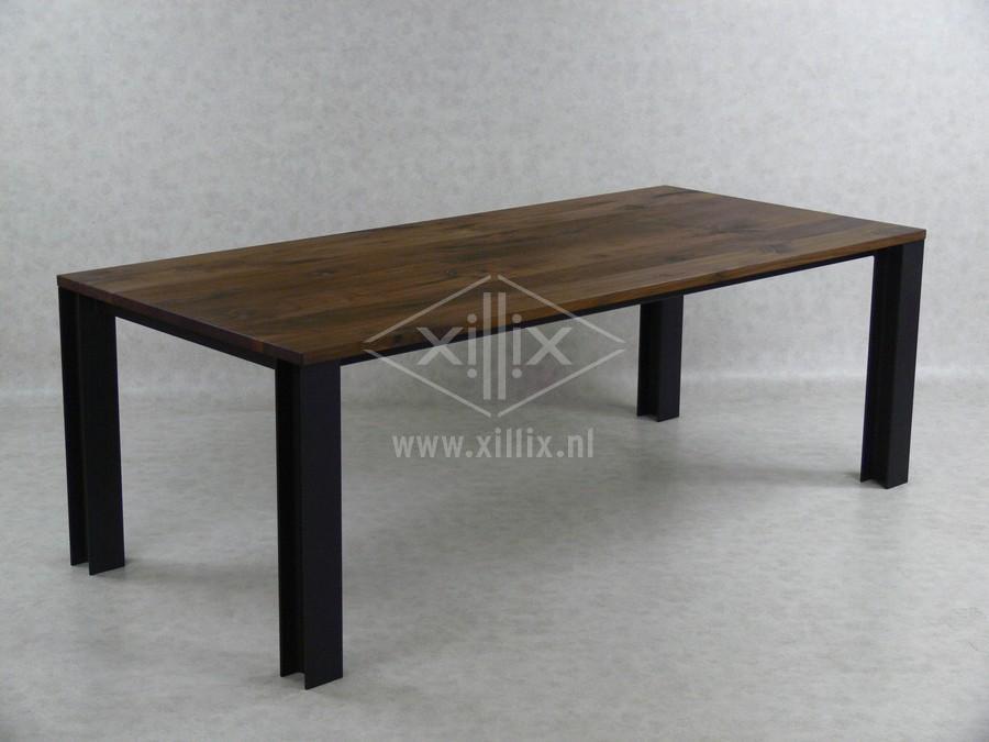 industriële tafel staal hea notenhout