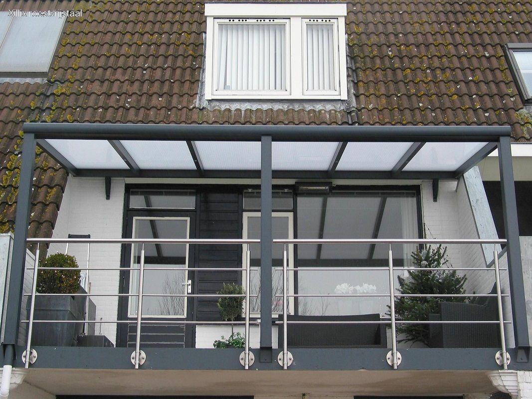 xillix-rvs-balkonhekwerk.JPG