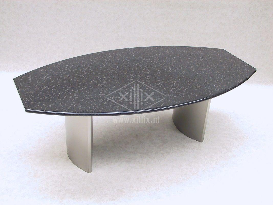 Xillix-ovalen-natuurstenen-tuintafel.JPG