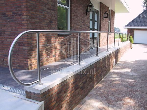 design balustrade van rvs met spankabels op bordes xillix.nl